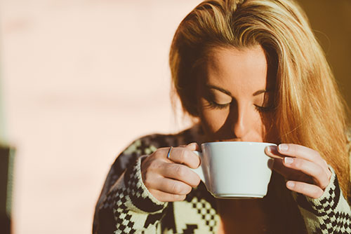 blonde-coffee-cup-5186